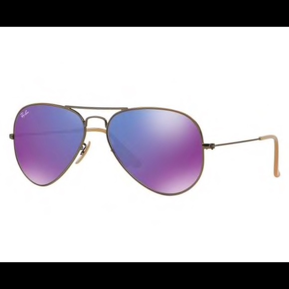 230c0dcb7a Ray-Ban Purple Reflective Classic Aviator. M 5b8183820e3b86ce2e846245